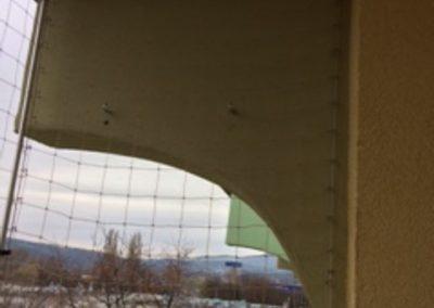 Balkon Grodzka zabezpieczenie przed gołębiami bok