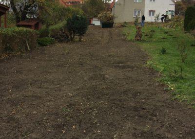 finał porządkowania ogrodu - na wisnę przygotowania pod wysiew trawy